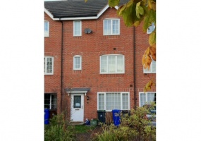 98 Godwin Way, Stoke-on-Trent, Staffordshire, United Kingdom ST4 6JS, 5 Bedrooms Bedrooms, 5 Rooms Rooms,3 BathroomsBathrooms,House,For Rent,Godwin Way,1005